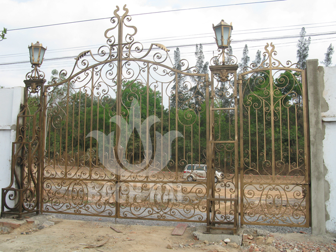 cổng sắt biệt thự lớn bh-10208