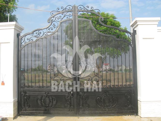 cổng sắt biệt thự phố bh-10169