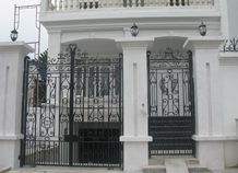 cổng sắt biệt thự phố bh-10179