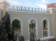 hàng rào sắt đặc trang trí đầu bờ tường bh-10122