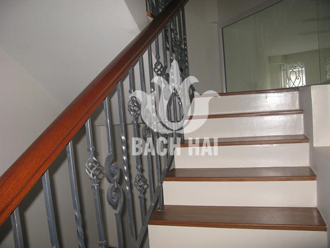cầu thang sắt đặc bh-10173
