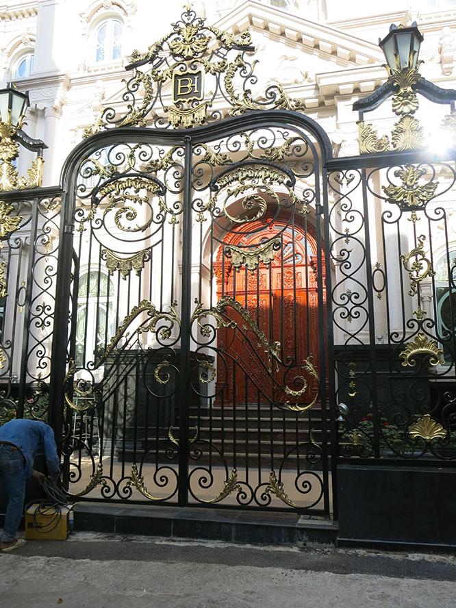Cổng chính biệt thự CITYLAND VILLA BH-10216