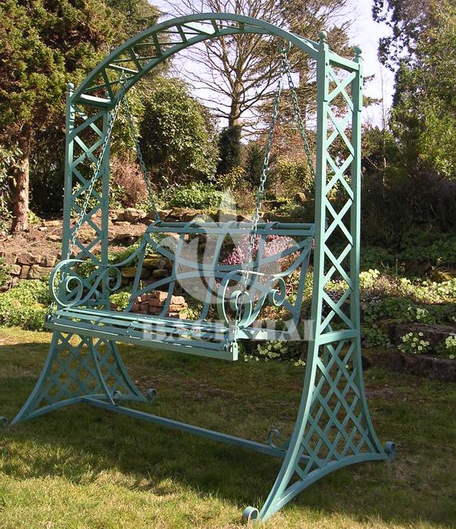 Mẫu xích đu sắt đẹp trang trí sân vườn